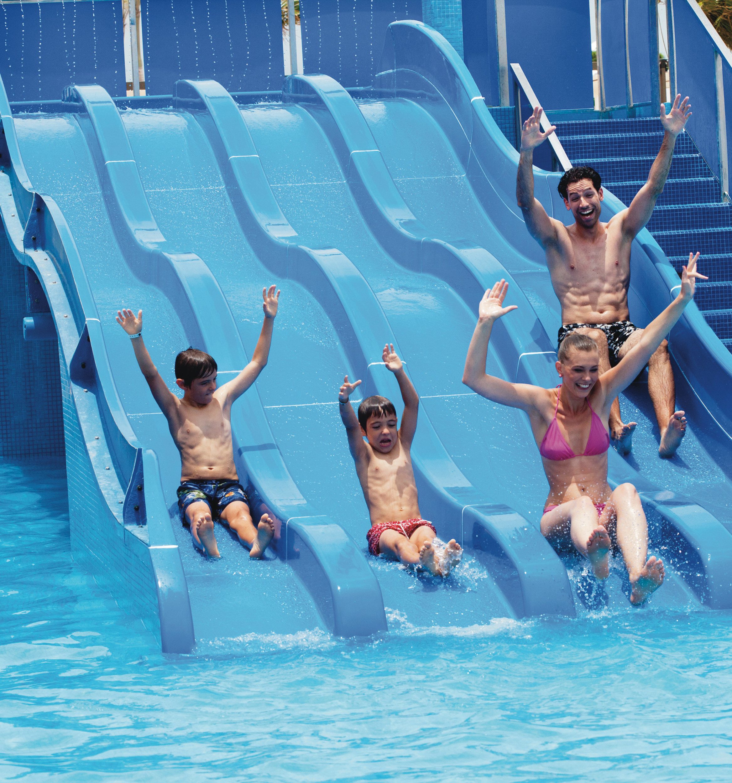 PBL_14_029 – Children's pool with slides